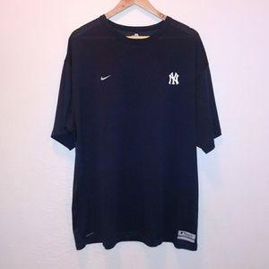 Nike FitDry Black New York Yankees Shirt